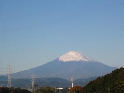 寳泉寺から見える、朝の富士山